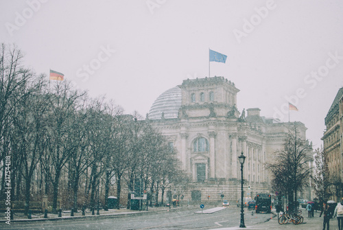 Photo  Winter cityscape of Berlin covered with snow