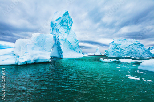 Poster Antarctic Antarctica beautiful cold landscape with icebergs, epic scenery, antarctic winter nature beauty