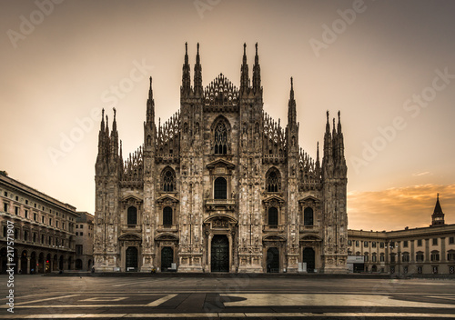 Fotografie, Obraz  milano piazza duomo cathedral front view at night no people