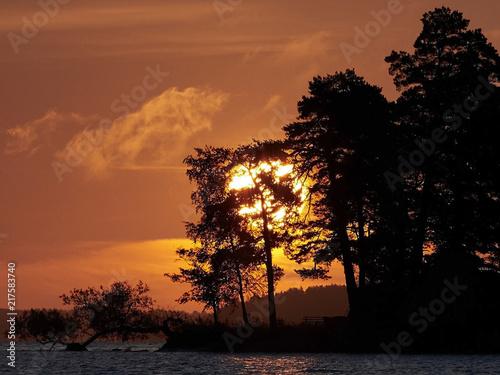 Foto op Plexiglas Crimson Sunrise on a swedish lake