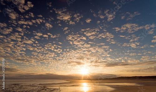 Spoed Foto op Canvas Noordzee Nordsee, Strand auf Langenoog, Wanderung am Abend: Dünen, Meer, Ebbe, Watt, Wanderung, Entspannung, Ruhe, Erholung, Ferien, Urlaub, Meditation :)