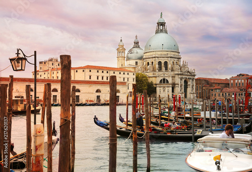 Fotobehang Centraal Europa Beautiful sunset view of Grand Canal and Basilica di Santa Maria della Salute in Venice, Italy