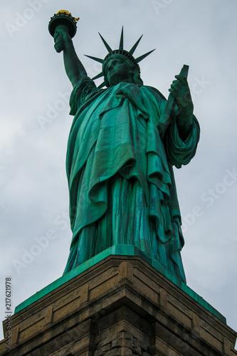 Photo  The iconic Statue of Liberty, Liberty Island, New York City, USA