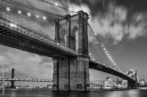 Tablou Canvas Brooklyn Bridge and Clouds, Study 1