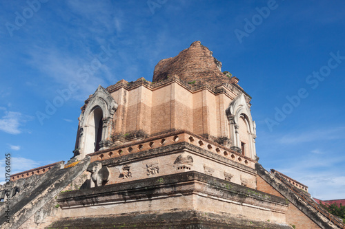 Foto op Canvas Oude gebouw Ancient pagoda at Wat Chedi Luang temple in Chiang Mai, Thailand