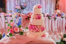 Big Wedding Cake On Reception ...