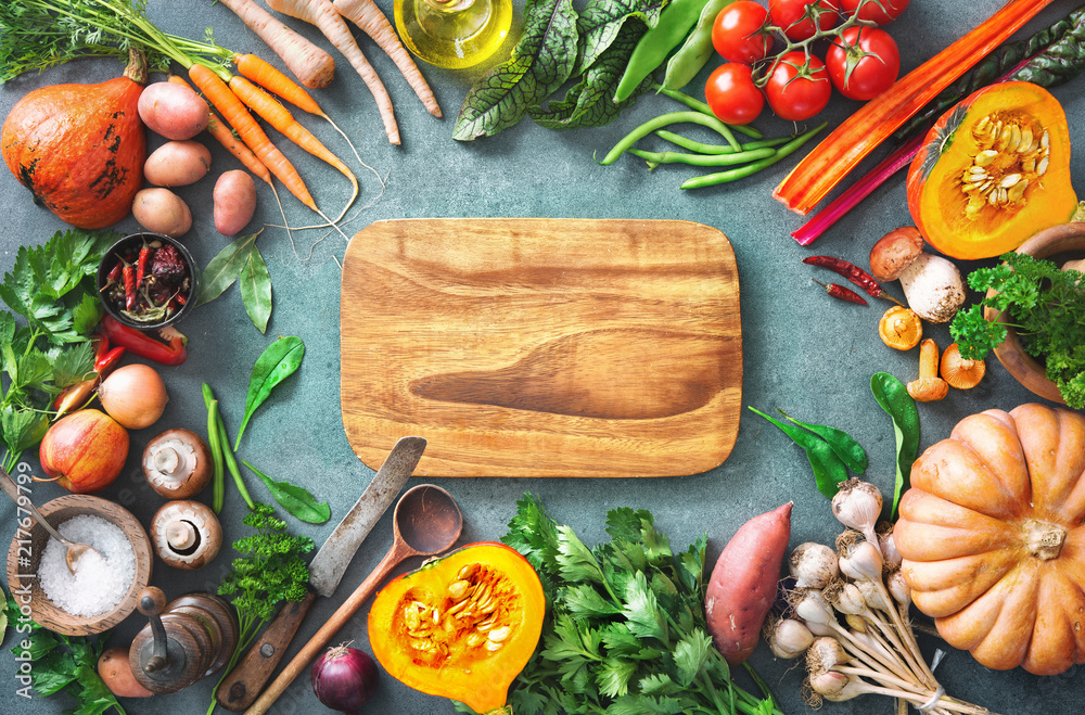 Fototapety, obrazy: Healthy or vegetarian nutrition concept with selection of organic autumn fruits and vegetables