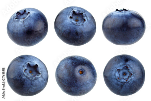Fotografia Blueberry berries isolated on white background. Collection.