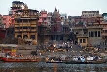 Varanasi Cremation At Manikarn...
