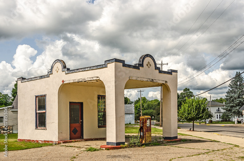 Fotografie, Obraz  Vintage Gas Station with Rusty Gas Pump 7712