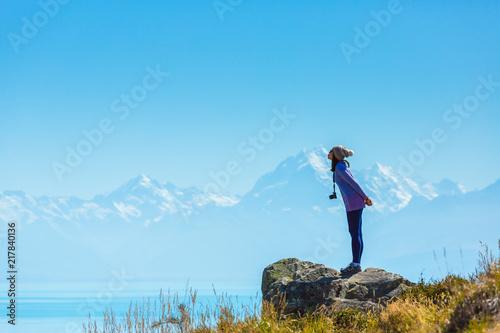 Foto op Aluminium Blauw Summertime, Asian woman enjoy travel at lake pukaki as a Mt. Cook Background , South island New Zealand