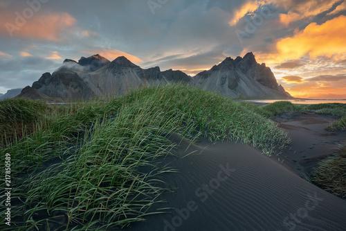 Keuken foto achterwand Noordzee Vestrahorn and Stokksnes, Iceland