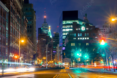 Spoed Foto op Canvas New York Night Intersection and Street Lights