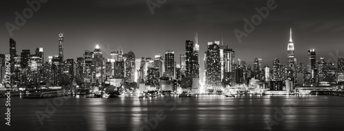Poster New York Panoramic Black & White view of Midtown West skyscrapers with the Hudson River. Manhattan, New York City