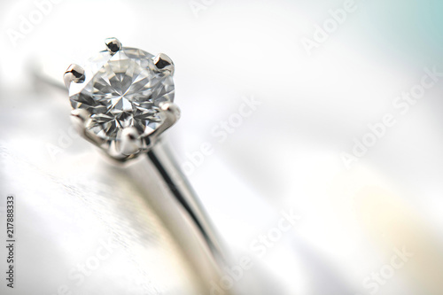 美しい結婚指輪