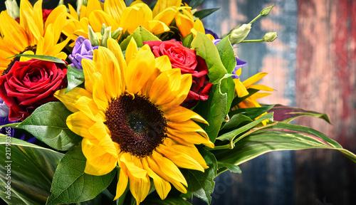 In de dag Zonnebloem Composition with bouquet of flowers