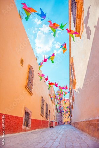 Fotografía  Beautiful and colorful passage in Zacatecas city, Mexico
