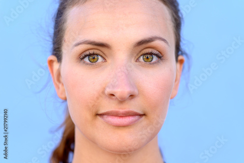Photo  Close up portrait of beautiful young woman
