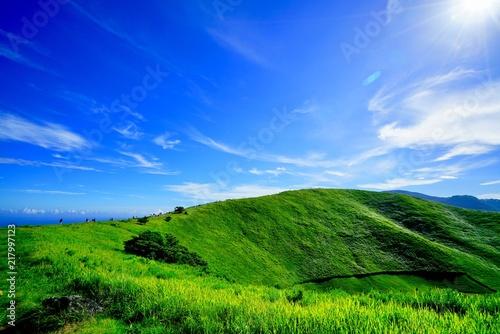 Deurstickers Groene 大室山 山稜線