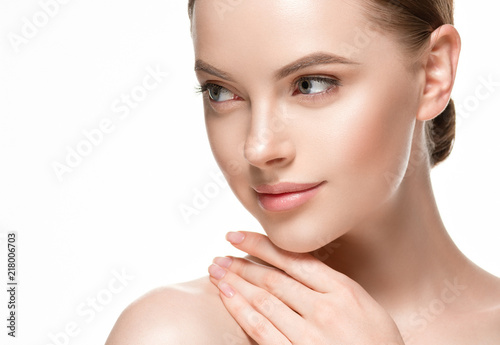 Woman beautifl face closeup with healthy skin and beauty lips and eyes Fotobehang