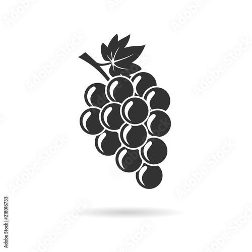 bunch of grapes with leaf Fototapeta