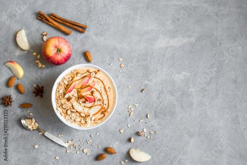 Apple Pie Smoothie Bowl