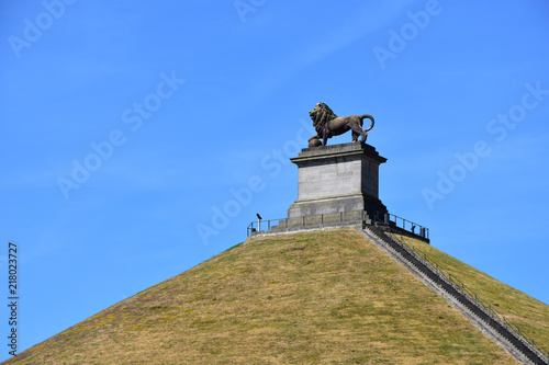 Fotomural The Lion on the Mound monument on The Mount of Waterloo, Belgium