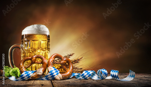 Fotobehang Bar Oktoberfest beer with pretzel, wheat and hops