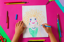 Child Draws Picture Of Mom For...