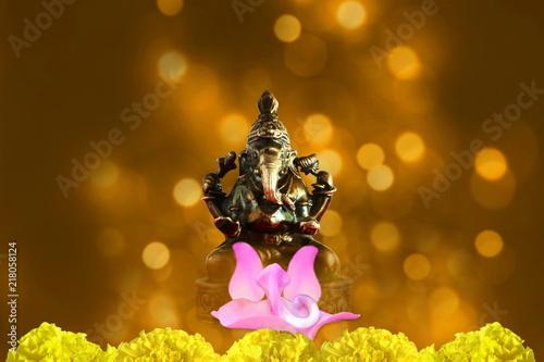 Photo  indian hindu god ganesha religious concept for ganesh puja  diwali new year or