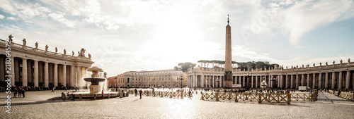 Cuadros en Lienzo Panoramic  view on Saint Peter square of Vatican City (Piazza San Pietro),  Italy