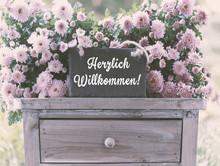 Herzlich Willkommen, Dekoration Mit Blumen