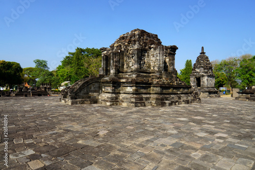 Spoed Foto op Canvas Bedehuis Lumbung temple is a 9th-century Buddhist temple located within the complex of Prambanan Temple
