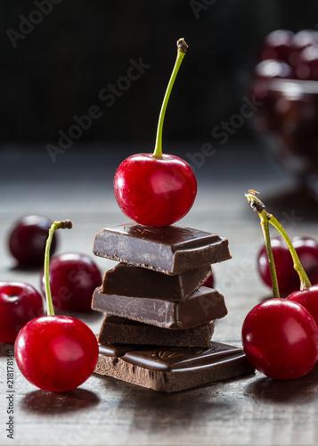Cadres-photo bureau Dessert An image with a cherry.