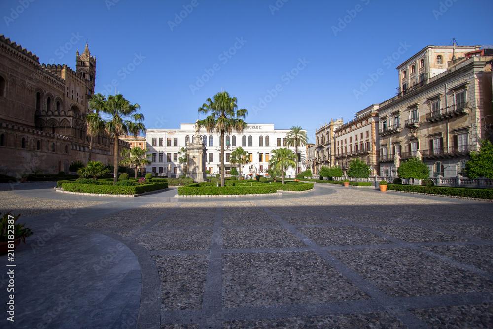 Fototapety, obrazy: Old italian building