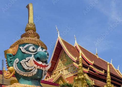 Staande foto Bedehuis Giant guardian statue of Wat Mixai temple in Vientiane, Laos