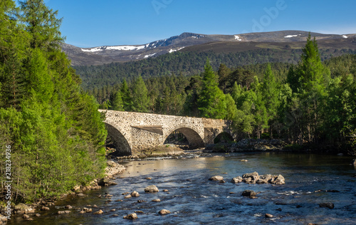 Fotografiet Bridge over the River Dee
