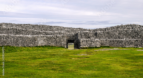 Photo Dun Aengus Fort on the Aran Islands, Ireland