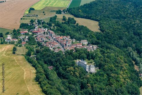Poster  vue aérienne du château de Reynel dans la Marne en France