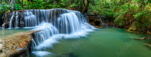 Foto op Canvas Watervallen Panoramic waterfall in rainforest at National Park, Thailand.