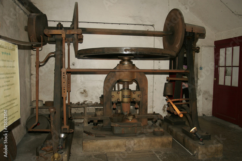 Old tools and machinery in old copper objects factory - Buy