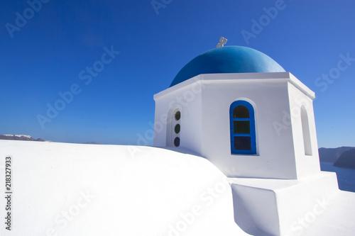 Fotografie, Obraz  Chiesa con la cupola blu ad Oia Santorini