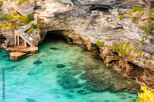 Photo Paradise travel destination beach in Hamilton, Bermuda