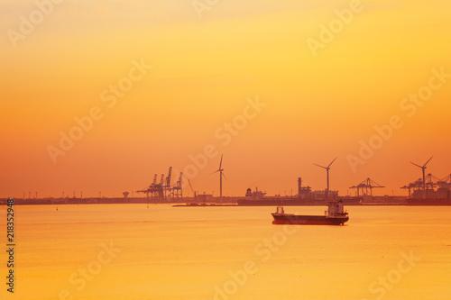 Spoed Foto op Canvas Mediterraans Europa Petrochemical platform of Port de Bouc, France