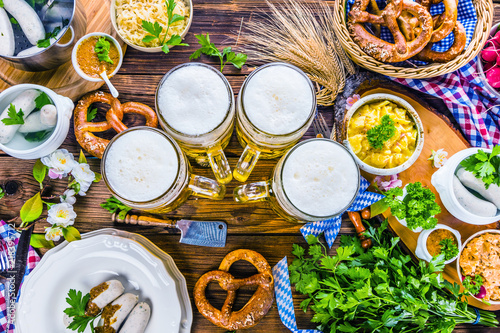 Bayerische Spezialitäten Oktoberfest Bier