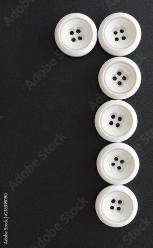 numeros hechos con botones blancos Wallpaper Mural