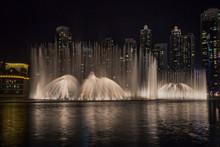 Dubai Dancing Fountain Show