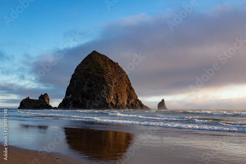 Photo  Haystack Rock Cannon Beach Oregon Pacific Northwest at Sunset
