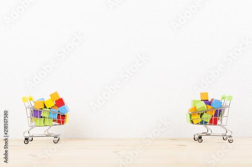 Photo  溢れる買い物カゴ