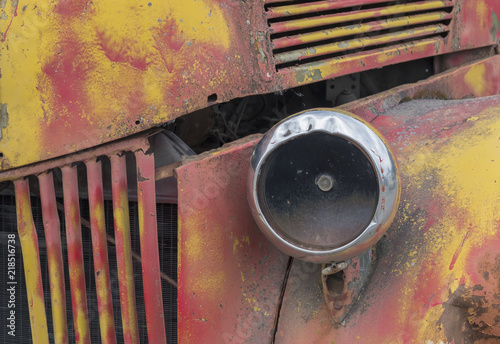 фотография  Headlight, Old Ford Truck, Palmer, Alaska